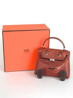 HERMES Limited Edition Noisette Gulliver Leather Quelle Idole Kelly Doll Bag #Hermes #Satchel