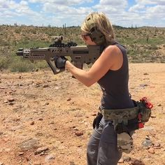 I've been training hard to shoot my lefty Tavor one-handed at 100 yards... You can hear me hit the reduced IPSC steel way out there, getting pretty good at it! Perfectly fitting for #workout Wednesday, hope everyone is kicking butt today and making gains!  @iwi_israel @bad_ass_official @highspeedgear @gun @smithandwessonfanatics @skdtactical @511tactical @trijicon @primaryarms @oakleystandardissue