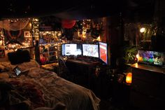 Post with 0 votes and 4578 views. Made some updates to my battlestation, I think it's looking really nice! Chill Room, Cozy Room, Room Design Bedroom, Room Ideas Bedroom, Bedroom Inspo, Punk Room, Grunge Bedroom, Pretty Room, Room Setup
