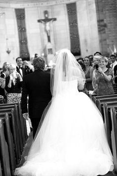 father & bride walking down aisle <3