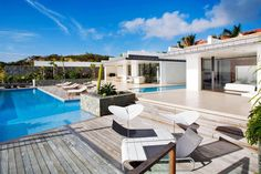 Villa WV ROX, located in Gustavia, St.Barts. 6-bedroom villa located in Gustavia within minutes of the beach, shops, restaurants, and nightclubs. Opening to a full ocean view, this villa offers all-day sun and partial sunsets. #stbarts #stbarthelemy#stbarthlife #luxurylife #luxuryvillas
