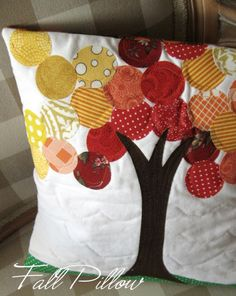 Quilted Apple Tree Pillow - ideas for pillows Fabric Crafts, Sewing Crafts, Sewing Projects, Craft Projects, Scrap Fabric, Fabric Tree, Fall Pillows, Throw Pillows, Travel Pillows