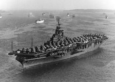 """USS """"Lake Champlain"""" (CV was one of 24 Essex-class aircraft carriers , at anchor at Norfolk, Virginia , with aircraft of Carrier Air Group 150 on board, Aug 1945 Virginia Usa, Norfolk Virginia, General Motors, American Aircraft Carriers, Navy Carriers, Naval History, Military History, Navy Aircraft Carrier, Historia"""