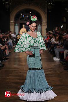Sergio Vidal – We Love Flamenco 2015 Dance Like This, Spanish Fashion, Edwardian Dress, Smart Casual, Dress Patterns, Dress Skirt, Fishtail, Fashion Dresses, Womens Fashion