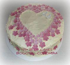 Cake Paris, First Communion Cakes, Buttercream Frosting, Vanilla Cake, Cake Decorating, Birthday Cake, Eclairs, Desserts, Mousse