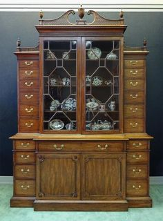 A George III Mahogany Breakfront Bookcase   Hyde Park Antiques, Ltd.