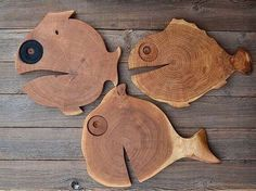No photo description available - wooden projects Diy Cutting Board, Wood Cutting Boards, Diy Wood Projects, Woodworking Projects, Woodworking Techniques, Woodworking Furniture, Woodworking Jigs, Wood Fish, Driftwood Sculpture