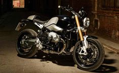 Leaked: Photos of BMWs Anniversary Café Racer BMW NineT R Nine air cooled cafe racer leak 03 1200 Gs Adventure, Italian News, Nine T, Bmw S, Cafe Racer Motorcycle, Bmw Motorcycles, Cool Cafe, Motorbikes, Vehicles