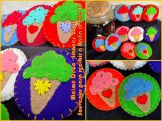 Souvenirs! Imanes grandes de 10 cm de diámetro realizados con cartón reciclado, pañolenci de diferentes colores, hilos de bordar, mostacillas y canutillos...