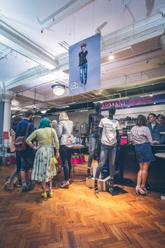 Jenners for Genes Event 2015 - Edinburgh Get your own Jeans for Genes limited edition Fashion Tshirt or other merchandise (denim bag, white Tshirt, badges...) by clicking here: http://www.jeansforgenesday.org/webshop/