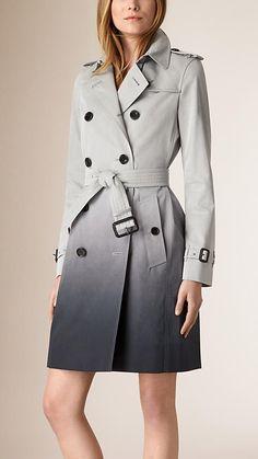 Hellgrau meliert/tintenblau Trenchcoat aus Baumwolle in Dégradé-Optik - Bild 1
