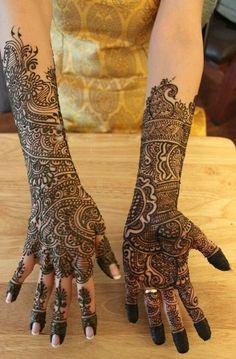 Top 10 Full Hand Mehndi Designs | Rynablog