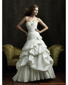 2013 Luxuriöse Brautmode aus Taft Herzförmiger Ausschnitt verziertes Mieder und vielschichtiger plissierter Rock mit langer Schleppe
