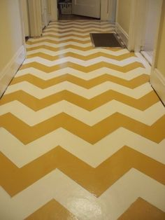 chevron painted floor, spaghetti arms blog via apartment therapy http://spaghettiarms.blogspot.com/2011/08/walkin-on-sunshine.html