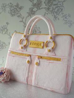 A Modalu Pippa bag cake!