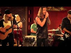 Lay Me Down (feat. Rome of Sublime with Rome) - Official ...