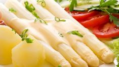 Spanish food White asparagus with there own mayo, so good Paleo Zucchini Fritters, My Favorite Food, Favorite Recipes, Menu, Spanish Food, Spanish Cuisine, Best Dishes, Kraut, Great Recipes