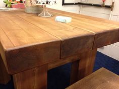 Beam table - Living with Wood