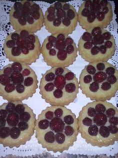 Tartaletas crema y frutillas