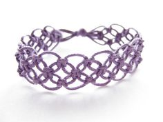 Pattern and tutorial for purple knotted macrame bracelet-but if just look at it you can figure it out...