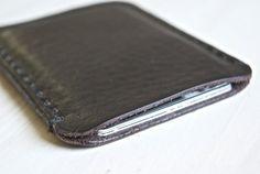 Delgado cuero billetera de cuero minimalista por GruffwoodStudios