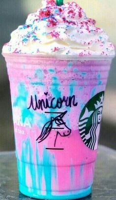 Fav Starbucks drink ✨ - S U M M E R - Drink Fav StarbucksFav Starbucks drink ✨ - S U M M E R - Drink Fav Starbucks♥ ︎ barbieville ™ ♥ ︎: Photoprincess Bebidas Do Starbucks, Secret Starbucks Drinks, Starbucks Secret Menu Drinks, Starbucks Coffee, Starbucks Frappuccino, Unicorn Drink Starbucks, Healthy Starbucks Drinks, Milk Shakes, Rainbow Drinks