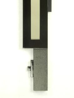Fine detailing of the Quebus Mirror by MarvellousMirrors.com