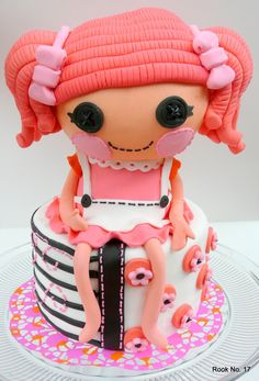 I think this is adorable and so brilliant.  This amazing woman made the Lala Loopsy doll out of fondant and rice crispies.  Incredible. My granddaughter would so love this cake!!!!!!!!
