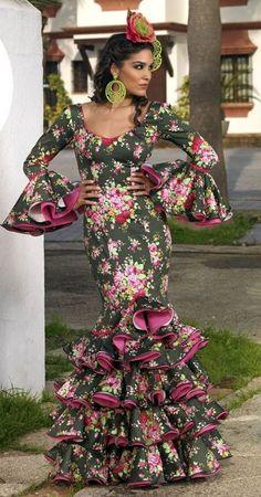Todo Ideas en maquillaje flamenca piel oscura Spanish Costume, Spanish Dress, Flamenco Costume, Flamingo Dress, Haute Couture Fashion, Cute Outfits For Kids, Western Outfits, Traditional Dresses, Flare Dress