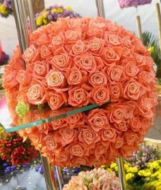 Peach roses are my favorites. I'd love a bouquet this size.