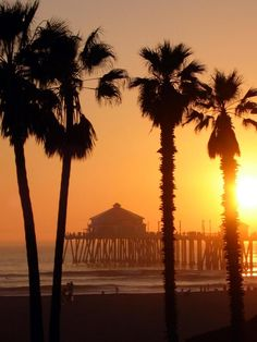 Huntington Beach, CA - one of my most favourite beaches!