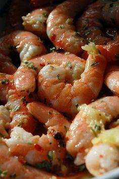 Crevettes marinées (J'ai juste rajouté de la sauce soja sucrée, 1 échalote hachée et 4 tomates séchées coupées en petits morceaux)