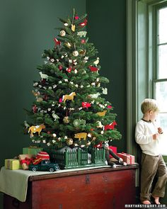Vintage style Christmas tree, perfect for a traditional feel to your home