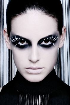 Artistic #MakeUp #FalseLashes – Beauty Works London #dramaticmakeup