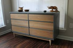 Mid-Century Dresser gray paint with wooden drawers Refurbished Furniture, Upcycled Furniture, Furniture Makeover, Painted Furniture, Home Furniture, Furniture Design, Industrial Furniture, Furniture Ideas, Retro Dresser