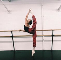 Image about inspiration in ballet ✧ by K Jasmine Dance Photography Poses, Dance Poses, Dance Photo Shoot, Svetlana Zakharova, Ballet Clothes, Jazz Dance, Dance Wear, Dance Choreography, Ballet Beautiful