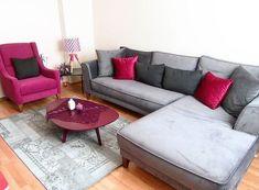 Ersoy çiftinin her odasında uyumlu stil ve renklerle, tarz sahibi evi. My Living Room, My Room, Living Room Decor, Bedroom Furniture Design, Modern Furniture, Modern Sofa Designs, Decoration Table, Living Room Designs, Home Accessories