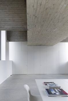 :: INTERIORS :: lovely exposed concrete ceilings - lovely detail to expose. Photo Credit: Belgian architecture firm dmva-architecten #interiors