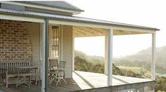 Verandah with sun. http://www.stylishlivablespaces.com/house-of-the-week/house-of-the-week-jackie-os-country-retreat#Jackie o Kangaroo Valley verandah 2