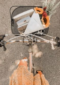 24 Best Ideas for bike riding aesthetic Spring Aesthetic, Aesthetic Photo, Aesthetic Pictures, Orange Aesthetic, Photo Wall Collage, Picture Wall, Happy Vibes, Summer Vibes, Summer Breeze