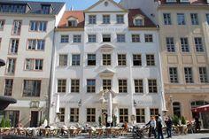 Drink een kopje koffie in #Zum #Arabischen #Coffe #Baum, het oudste #koffiehuis van heel Duitsland, gevestigd in het hart van #Leipzig.