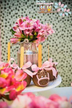 Uma festa fazendinha rosa, perfeita para a comemoração do aniversário de uma menina! Inspire-se em nossas ideias para criar a sua!
