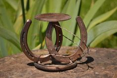 birch+candle+holder+with+barbed+wire | Horse Shoe Candle Holder | Horseshoe crafts
