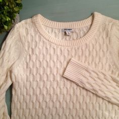 White Chunky Sweater So pretty and white...I've just never worn it. Super cute on and warm! Old Navy Sweaters Crew & Scoop Necks