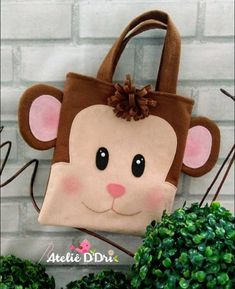 No photo description available. Monkey Bag, Sewing Crafts, Sewing Projects, Animal Bag, Fabric Toys, Jute Bags, Tote Pattern, Little Bag, Kids Bags