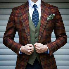 Nice contrast of colors and plaid.