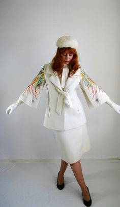 Sale1960s Lilli Ann Cream Suit Avant Garde Peacock by gogovintage