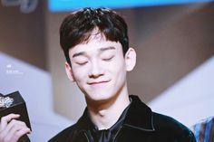 Chen - 161202 2016 Mnet Asian Music Awards, red carpet  Credit: 널 닮은 눈부심.