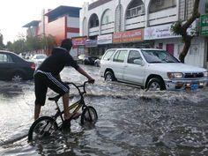 Rain lashes parts of Dubai, Sharjah. http://one1info.com/article-Rain-lashes-parts-of-Dubai-Sharjah-7290