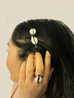COWRIE SHELL RING & HAIR CLIP SET